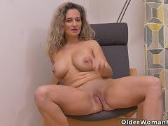 Blonde Teenie-Schlampe Pornos